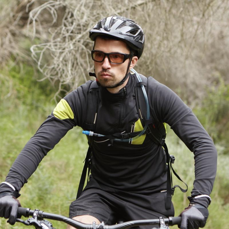 sport con occhiali